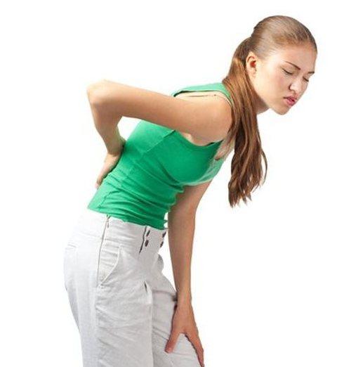 Боль в спине справа выше поясницы по бокам (слева и справа): причины и лечение