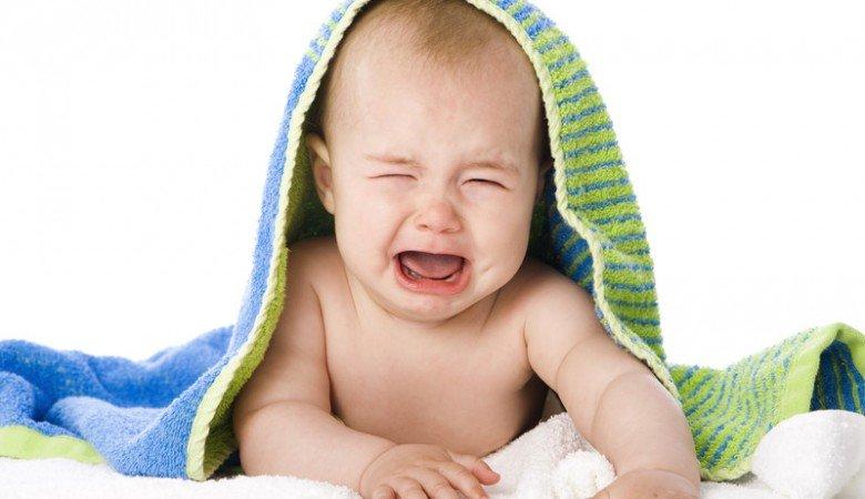 Симптомы начала болезни: слабость, потеря аппетита, постоянное желание плакать, нередко повышение температуры