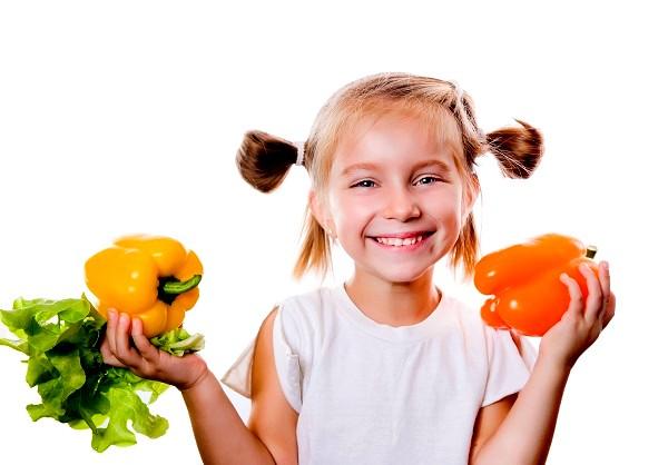 Ребенку следует давать молочную и растительную пищу