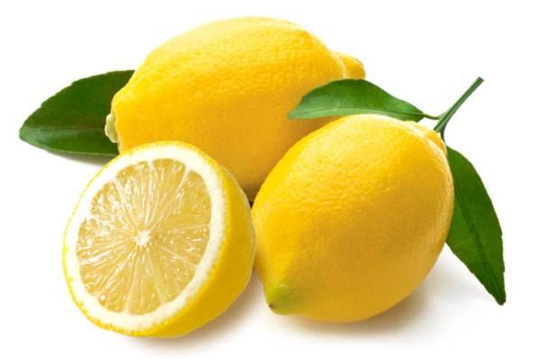 С помощью лимона можно отмыть зеленку с кожи