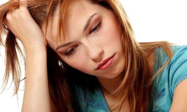 Сильная слабость организма - один из первых симптомов ветрянки