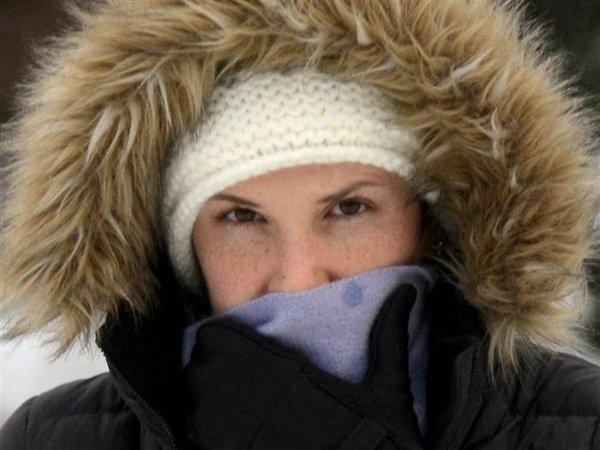 Зимой нужно одеваться в теплую одежду и питаться только пищей, не содержащей в себе аллергенов