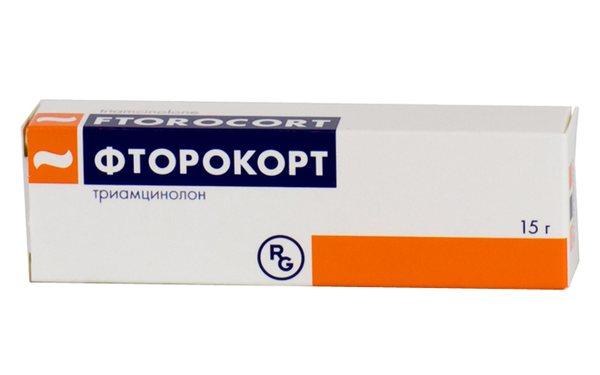 Фторокорт - гормональная мазь второго класса, умеренного действия