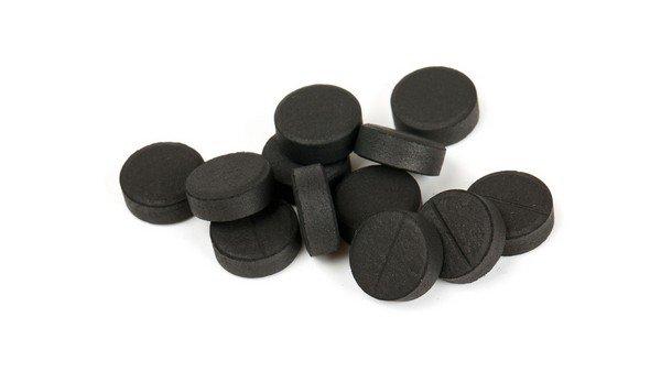 Активированный уголь является одним из наиболее безопасных лекарственных препаратов при аллергии