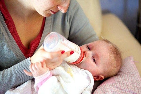 Молочные продукты содержат белок, вызывающий негативную реакцию через некоторое время
