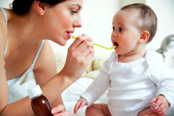 При предрасположенности к аллергии на молоко не стоит употреблять при кормлении детские смеси