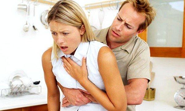 Анафилактический шок - большая опасность, которой нужно остерегаться после укуса ядовитого пресмыкающегося или насекомого