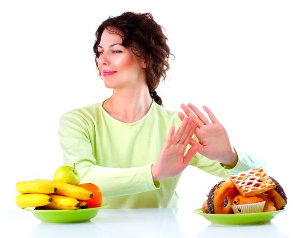 Также для лечения сезонной аллергии и у взрослых и у детей стоит соблюдать диету, ограничивая себя в некоторых видах еды