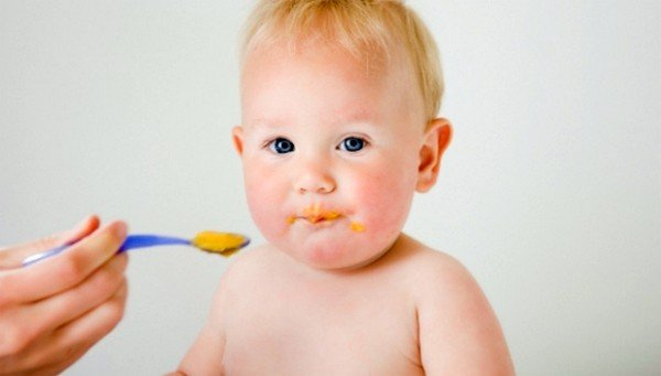 Некачественные пищевые продукты могут стать причиной аллергии на щеках