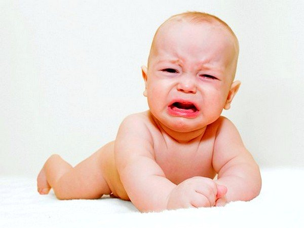 У многих детей при аллергии может наблюдаться повышенная плаксивость
