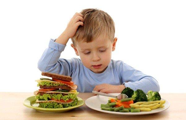 Пищевая аллергия у детей может носить временный характер, потому что ее симптомы появились из-за недостатка пищеварительных ферментов