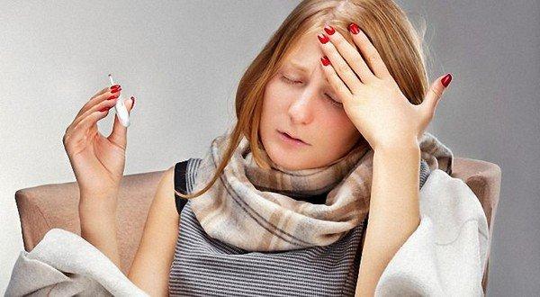 Возбудители простуды заразны, их можно «подхватить» при контакте с больным человеком
