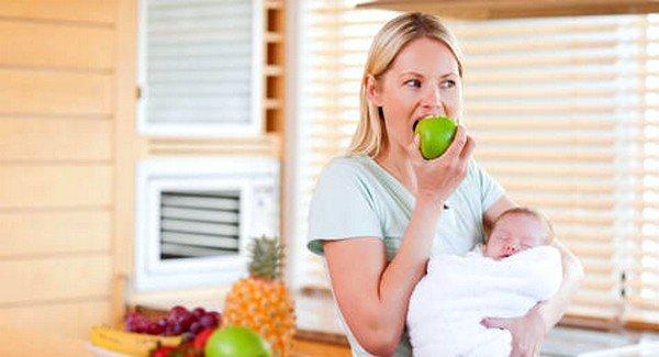 Исключение из диеты продуктов, имеющих растворимые аллергены, позволит значительно облегчить жизнь младенцу