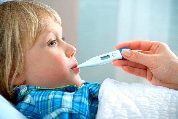 Повышенная температура - симптом большого числа недугов, тип которых могут точно определить только врач