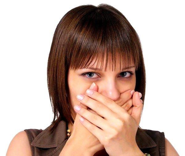 При аллергии на молоко может появиться тошнота