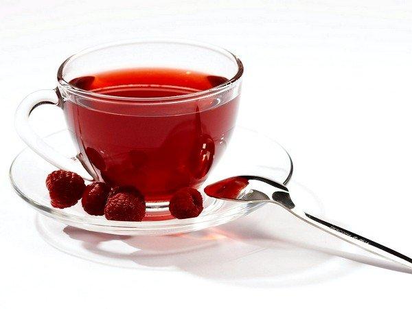 Больному при сильном кашле во время бронхолегочного приступа рекомендуется обильное тёплое питье