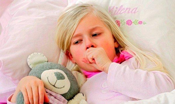 Непрекращающийся ночной кашель у ребенка не всегда может быть признаком простой простуды