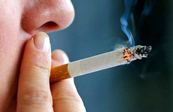 Курение может быть причиной кашля