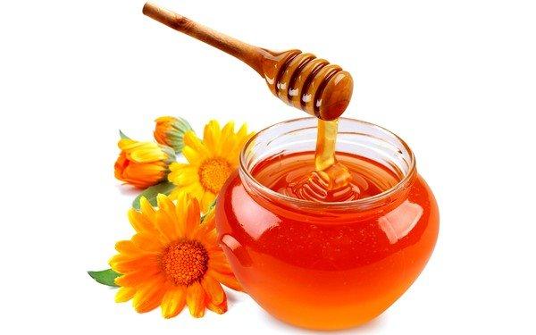 Мед имеет согревающие свойства и отлично борется с кашлем