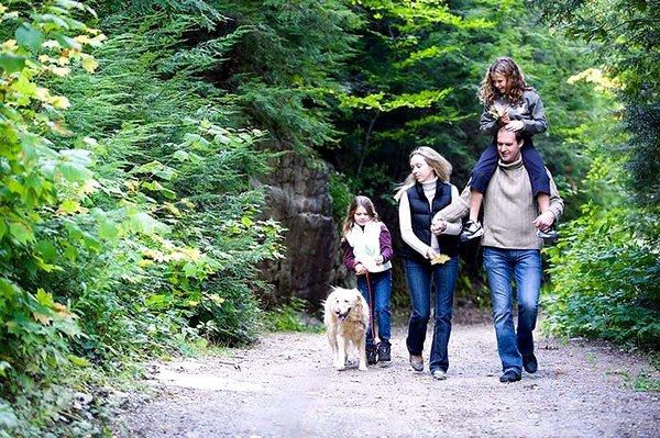Важно совершать ежедневные прогулки по свежему воздуху