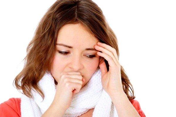 Аллергия на цветение растений очень часто становится причиной приступов кашля