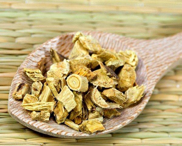 Растение содержит большое количество глюкозы и целлюлозы и обладает хорошим отхаркивающим действием