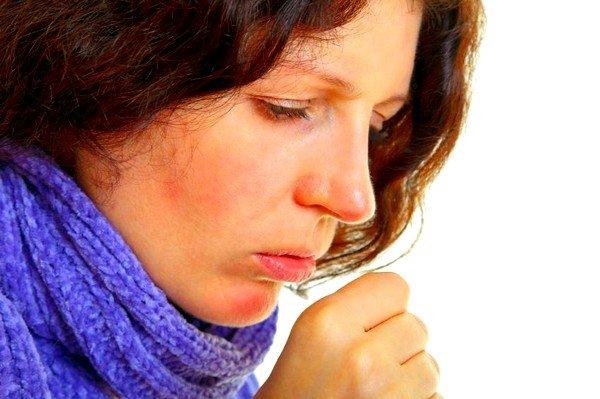 Излишняя сухость внутри может быть вызвана попаданием в носоглотку чересчур горячего воздуха, пребыванием в помещении, которое недостаточно увлажнено