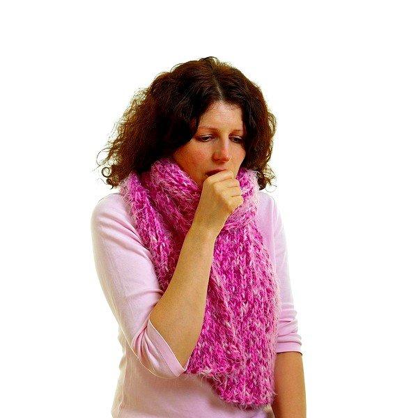 Насморк, повышенная температура и кашель – в числе самых основных симптомов ОРВИ