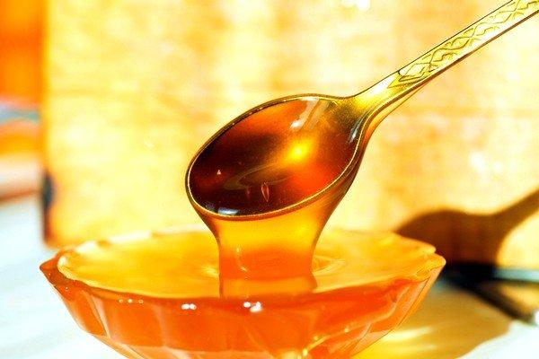 Акациевый, липовый и гречишный мед являются самым лучшим вариантом