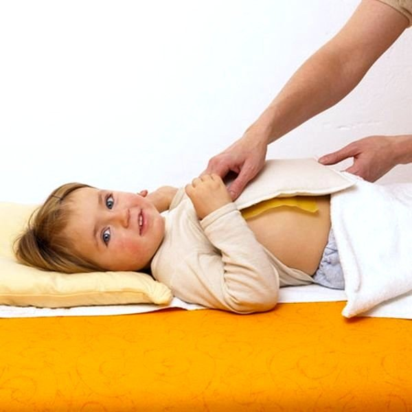 Медовые компрессы помогают остановить сухой кашель