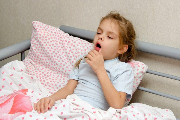 Как можно остановить кашель у ребёнка ночью фото