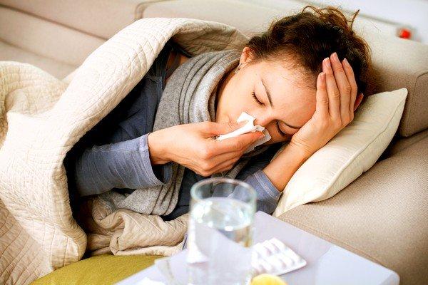Часто причиной кашля становится банальная простуда или ОРВИ