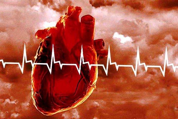 Кашель во время разговора может провоцировать патология сердечно-сосудистой системы