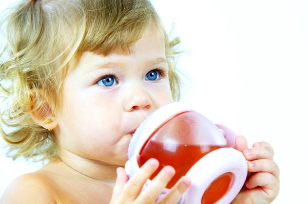Малышу необходимо давать обильное питье
