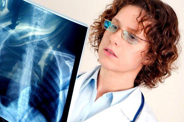 Аспирационная – вид пневмонии, возникающей от попадания инородного тела в глотку или в различных состояниях
