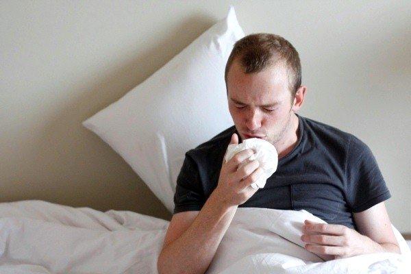Сердечный кашель является одним из симптомов развития сердечной недостаточности