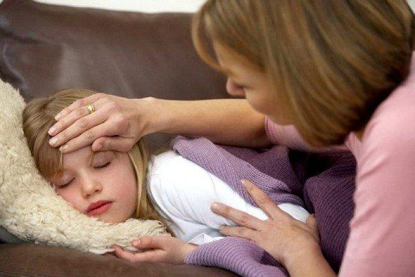 Повышение температуры тела всегда является основным признаком того, что организм малыша борется с инфекцией