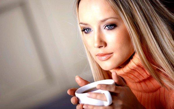 Во время приступа больному можно дать теплое питье