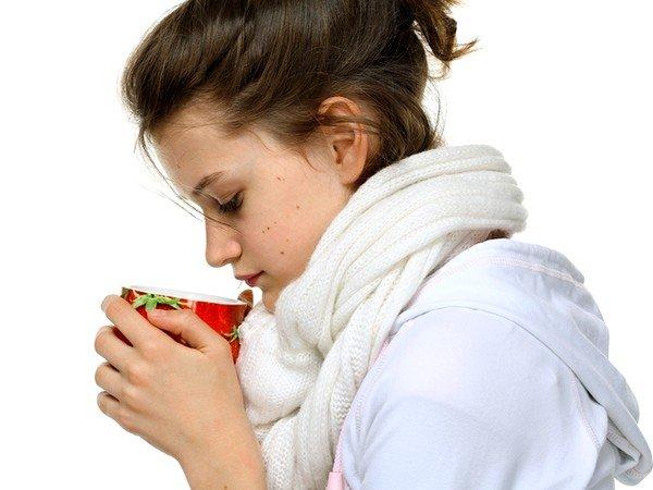 Обильное тёплое питье чая поможет избавиться от кашля