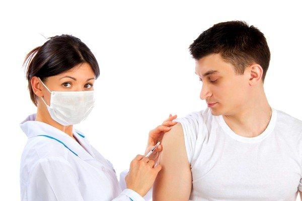 При необходимости следует применять сезонные вакцины от простуды и гриппа