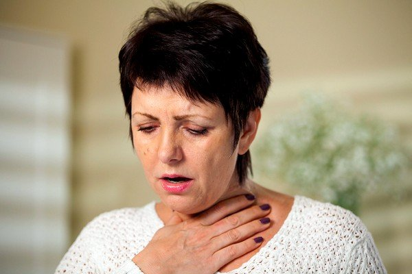 Мокрый кашель редко приглушают, так как он выполняет очищающую роль в организме