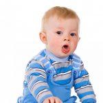 У детей до года кашель может носить физиологический характер