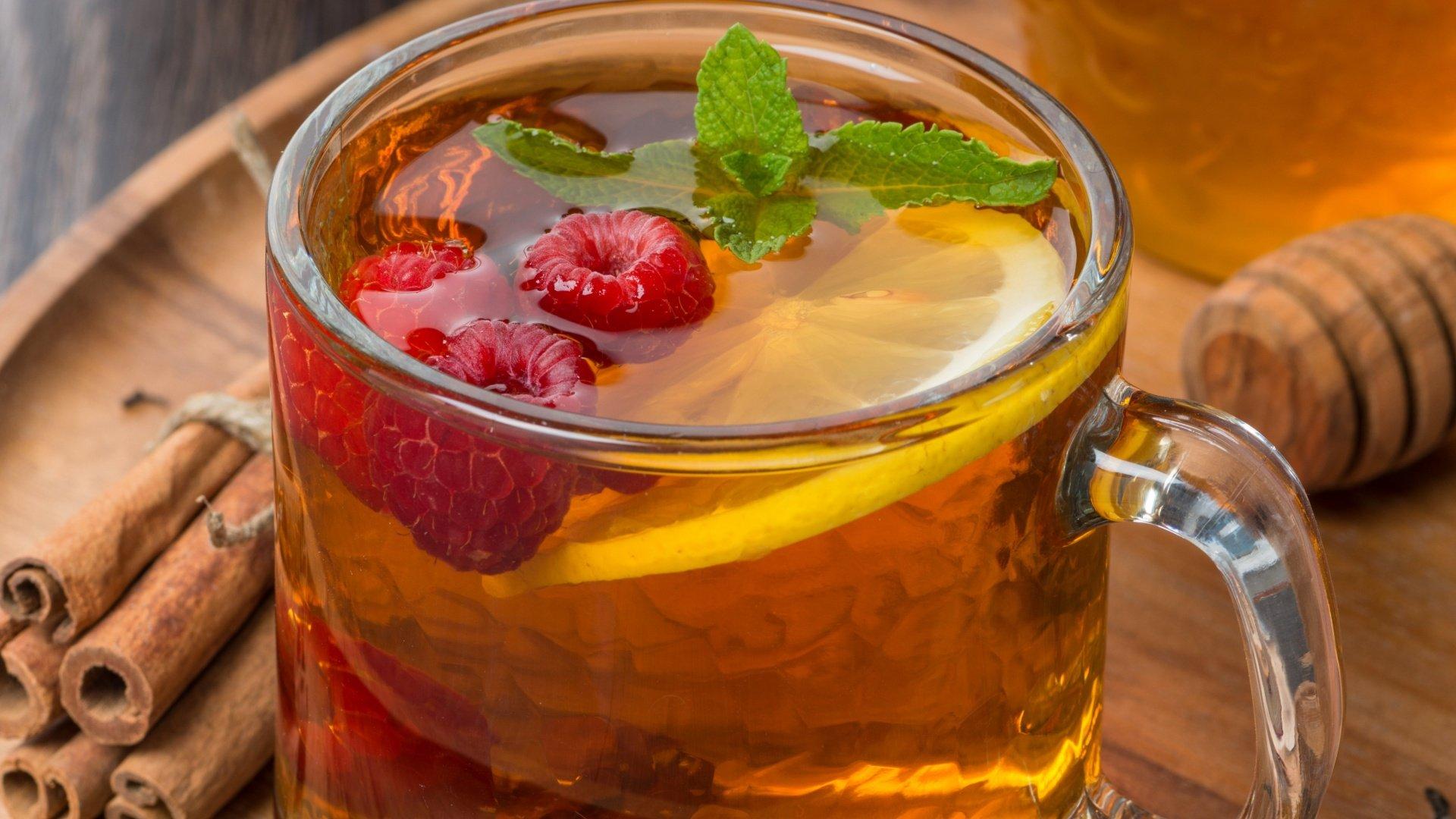 Теплое питье помогает при кашле