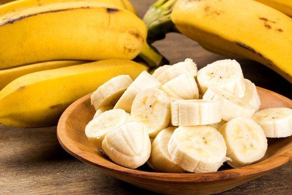 Банановая кашица успокаивает, обволакивает горло