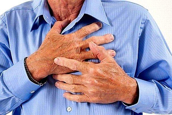 Боль в грудной клетке или спине может быть признаком туберкулеза