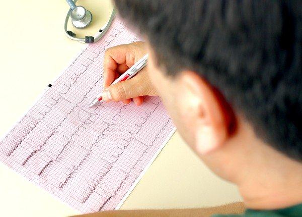 Для постановки более точного диагноза может быть использован также метод ЭКГ с нагрузкой