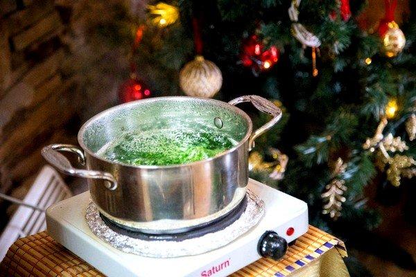 Многие приверженцы народной медицины предпочитают самостоятельно изготавливать травяные леденцы от кашля