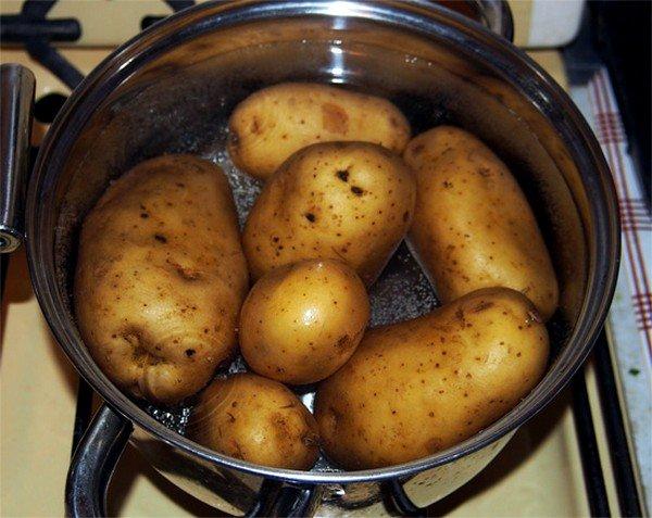 Для ингаляций можно использовать картофельный отвар