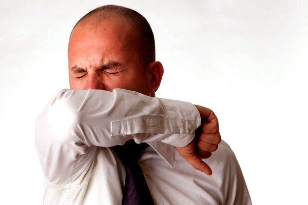 Аллергический кашель является рефлекторной реакцией организма на различные раздражители