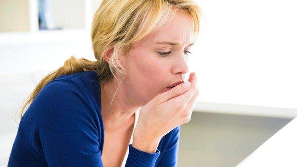 Симптомы и способы избавления от кашля при воспалении щитовидки фото